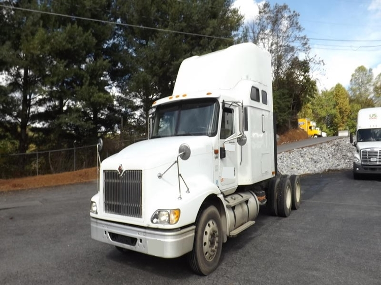 Sleeper Tractor-Heavy Duty Tractors-International-2007-9400-BLOUNTVILLE-TN-453,481 miles-$30,750