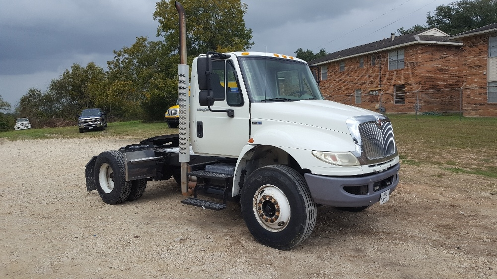Day Cab Tractor-Heavy Duty Tractors-International-2012-4400-BRENHAM-TX-235,720 miles-$23,500