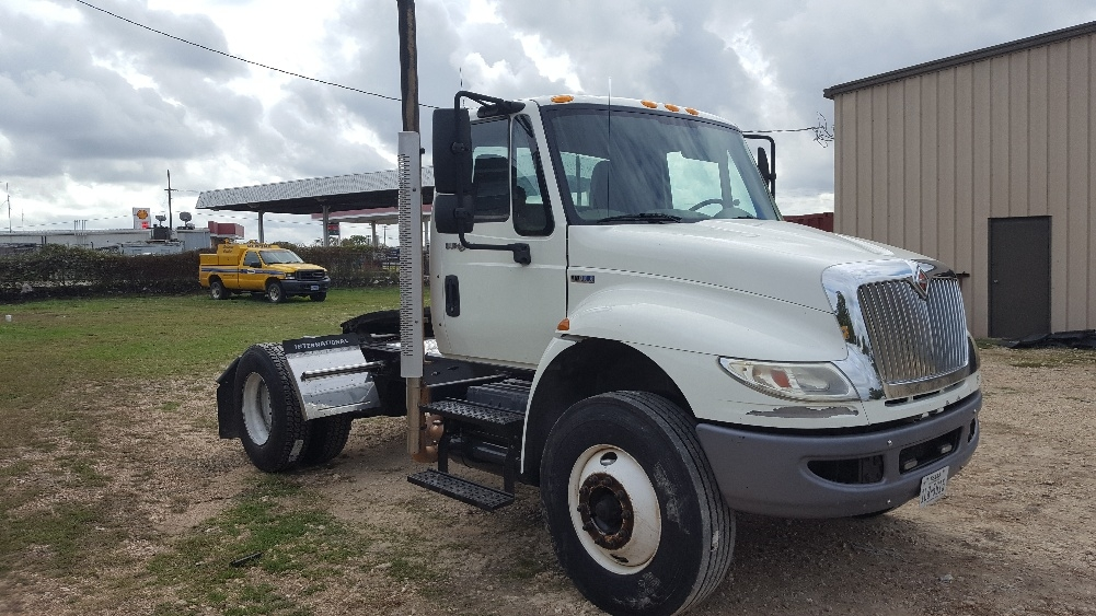 Day Cab Tractor-Heavy Duty Tractors-International-2013-4400-BRENHAM-TX-204,760 miles-$26,500