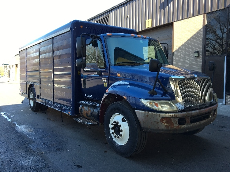 Beverage Truck-Light and Medium Duty Trucks-International-2003-4300-READING-PA-293,975 miles-$4,750