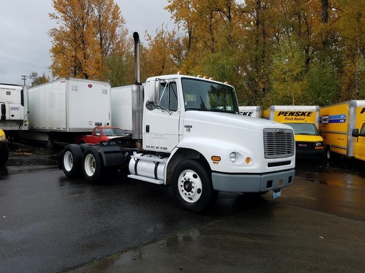 Day Cab Tractor-Heavy Duty Tractors-Freightliner-2000-FL11264S-TACOMA-WA-178,694 miles-$15,500