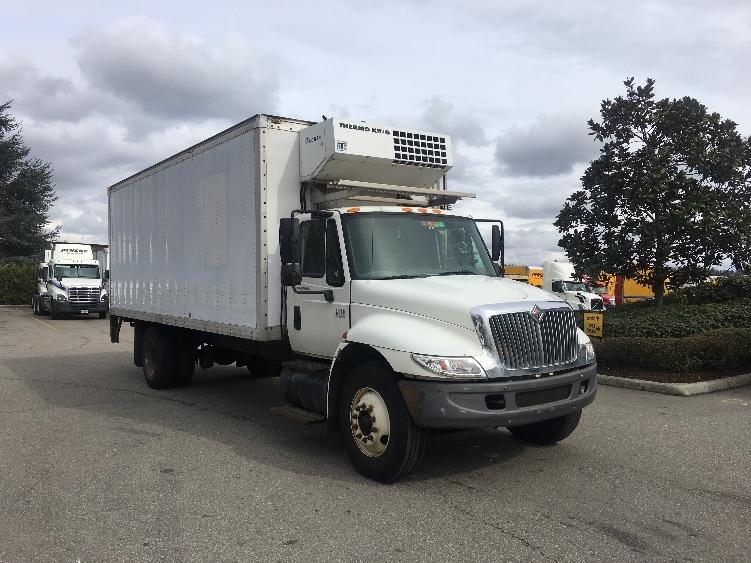 Reefer Truck-Light and Medium Duty Trucks-International-2002-4400-DELTA-BC-433,229 km-$21,000