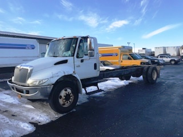 Cab and Chassis Truck-Light and Medium Duty Trucks-International-2005-4300-MILWAUKEE-WI-209,936 miles-$3,500