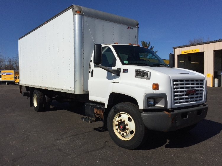 Medium Duty Box Truck-Light and Medium Duty Trucks-GMC-2006-C7C042-CHICOPEE-MA-216,016 miles-$8,500