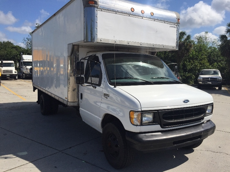 Medium Duty Box Truck-Light and Medium Duty Trucks-Ford-1998-E450-SARASOTA-FL-135,000 miles-$7,500