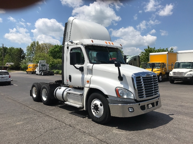 Day Cab Tractor-Heavy Duty Tractors-Freightliner-2013-Cascadia 12564ST-ERLANGER-KY-341,635 miles-$46,750