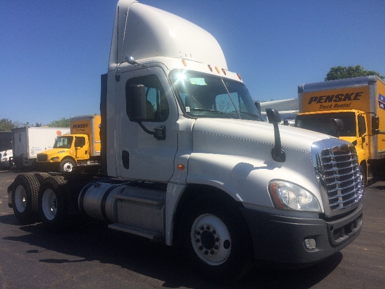 Day Cab Tractor-Heavy Duty Tractors-Freightliner-2013-Cascadia 12564ST-CONCORD-NC-363,952 miles-$50,500