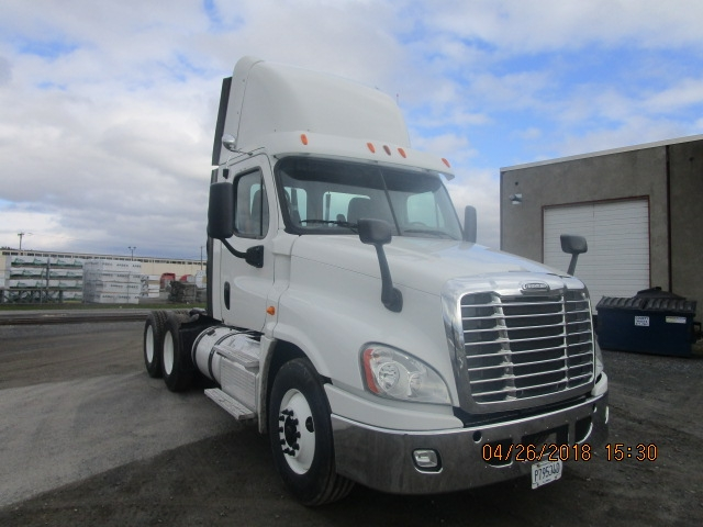 Day Cab Tractor-Heavy Duty Tractors-Freightliner-2013-Cascadia 12564ST-GUILDERLAND CENTER-NY-228,454 miles-$55,000