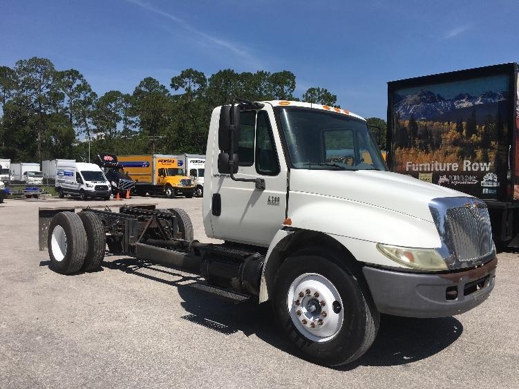 Cab and Chassis Truck-Light and Medium Duty Trucks-International-2005-4300-DAYTONA BEACH-FL-226,184 miles-$8,500