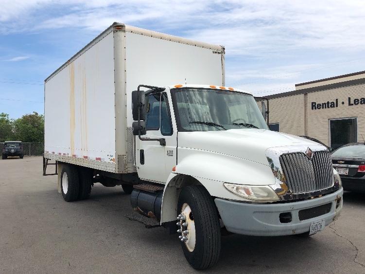Medium Duty Box Truck-Specialized Equipment-International-2002-4300-MILWAUKEE-WI-56,484 miles-$5,000