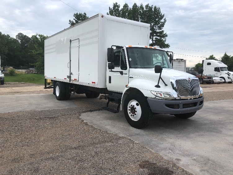 Medium Duty Box Truck-Light and Medium Duty Trucks-International-2011-4300-BELDEN-MS-306,271 miles-$17,000