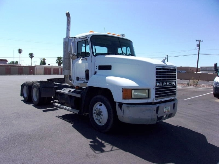 Day Cab Tractor-Heavy Duty Tractors-Mack-2003-CH613-TUCSON-AZ-499,537 miles-$28,750