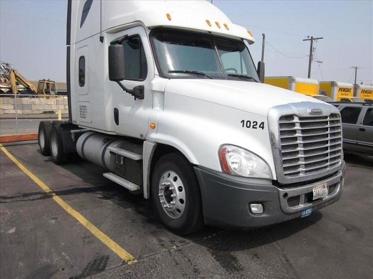 Sleeper Tractor-Heavy Duty Tractors-Freightliner-2013-Cascadia 12564ST-SPOKANE VALLEY-WA-552,259 miles-$51,000