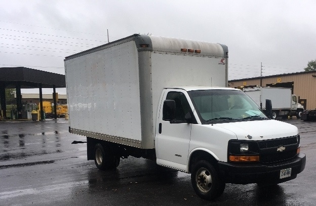 Light Duty Box Truck-Light and Medium Duty Trucks-GMC-2009-Savana G33803-SALEM-VA-327,196 miles-$5,800