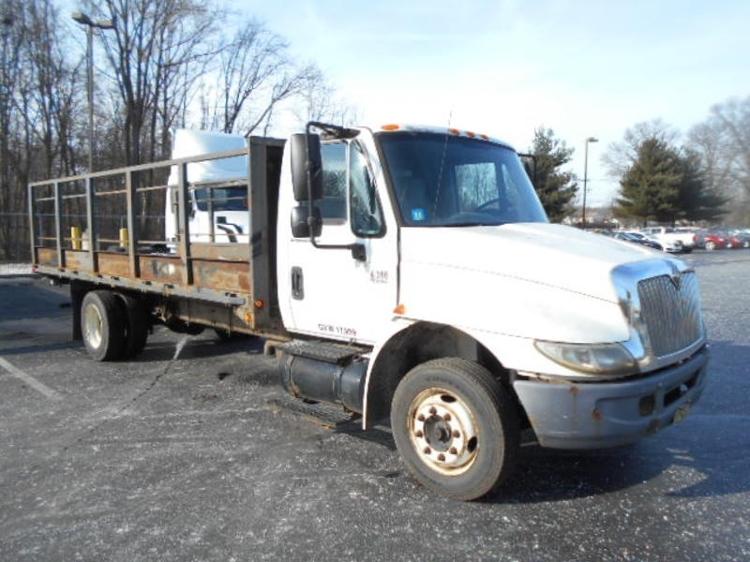 Flatbed Truck-Light and Medium Duty Trucks-International-2005-4300-BURLINGTON-NJ-323,193 miles-$7,750