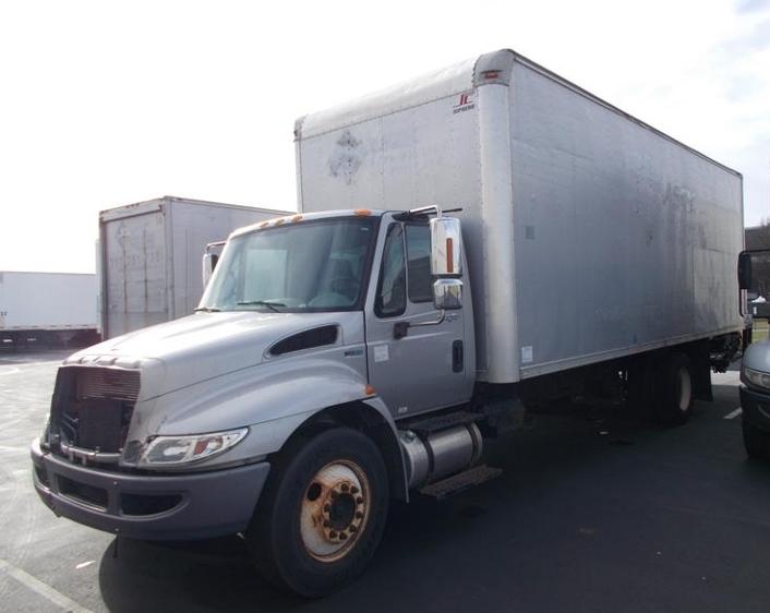 Medium Duty Box Truck-Light and Medium Duty Trucks-International-2009-4300-INDIANAPOLIS-IN-136,284 miles-$9,750