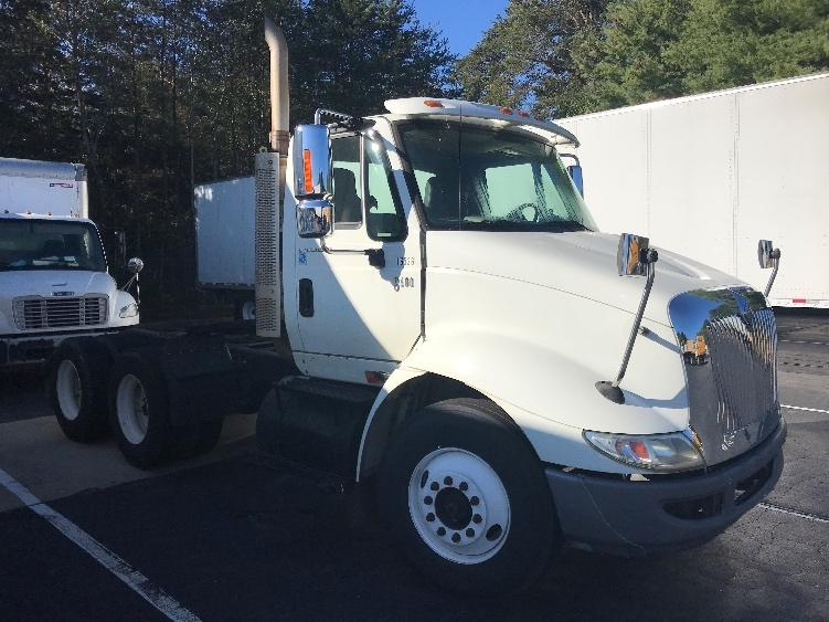 Day Cab Tractor-Heavy Duty Tractors-International-2007-8600-CONOVER-NC-193,110 miles-$21,500