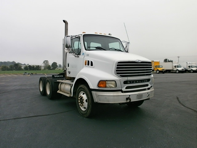 Day Cab Tractor-Heavy Duty Tractors-Sterling-2004-A9500-HOPKINSVILLE-KY-279,495 miles-$15,250