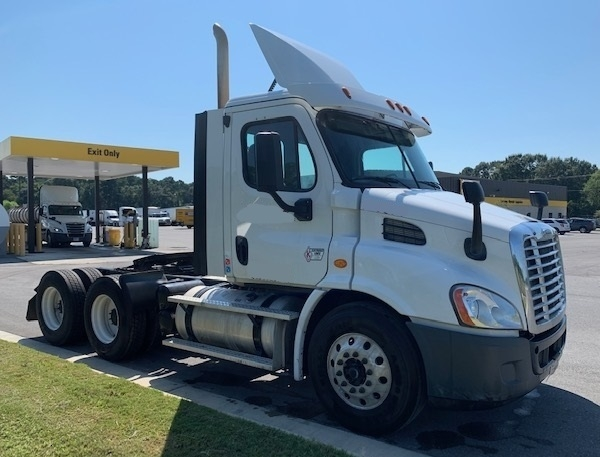 Day Cab Tractor-Heavy Duty Tractors-Freightliner-2016-Cascadia 11364ST-LAFAYETTE-LA-276,578 miles-$65,000