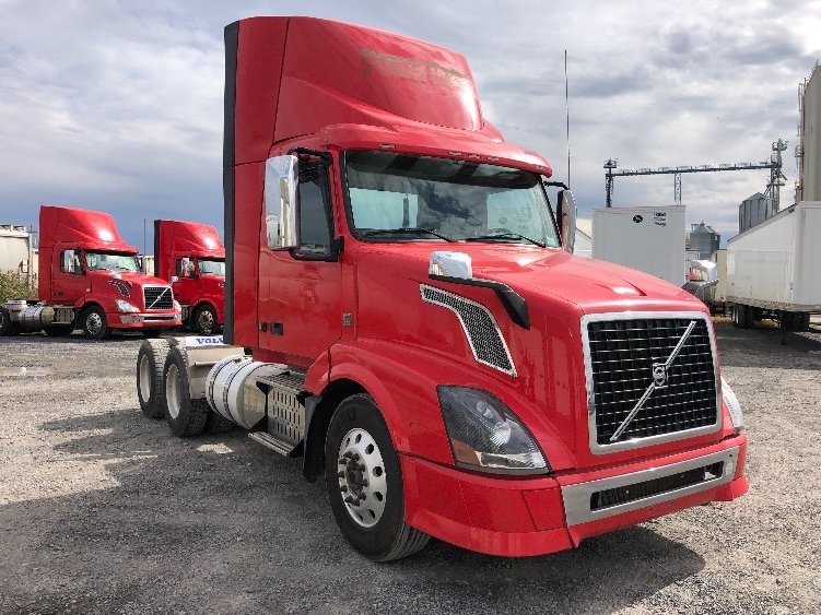 Day Cab Tractor-Heavy Duty Tractors-Volvo-2014-VNL64T300-GUILDERLAND CENTER-NY-647,019 miles-$26,250