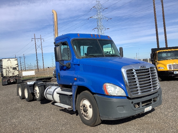 Day Cab Tractor-Heavy Duty Tractors-Freightliner-2016-Cascadia 12584ST-YAKIMA-WA-430,654 miles-$62,250