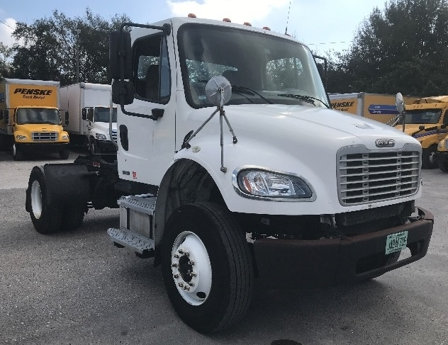 Day Cab Tractor-Heavy Duty Tractors-Freightliner-2009-M2-TAMPA-FL-209,325 miles-$13,500