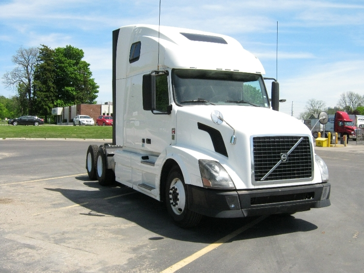 Sleeper Tractor-Heavy Duty Tractors-Volvo-2011-VNL64T670-MISSISSAUGA-ON-1,399,177 km-$35,000