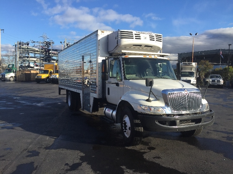 Reefer Truck-Light and Medium Duty Trucks-International-2008-4300-TUKWILA-WA-122,357 miles-$22,750