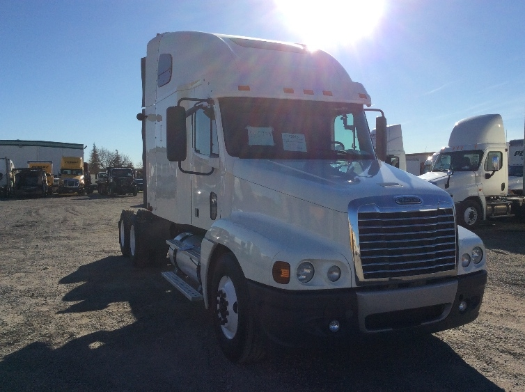 Sleeper Tractor-Heavy Duty Tractors-Freightliner-2008-Century Class CC2064ST-WOODLAND-CA-299,562 miles-$36,500