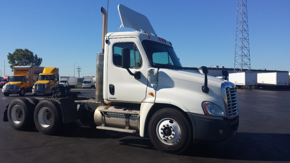 Day Cab Tractor-Heavy Duty Tractors-Freightliner-2011-Cascadia 12564ST-SAINT LAURENT-PQ-239,578 km-$48,000