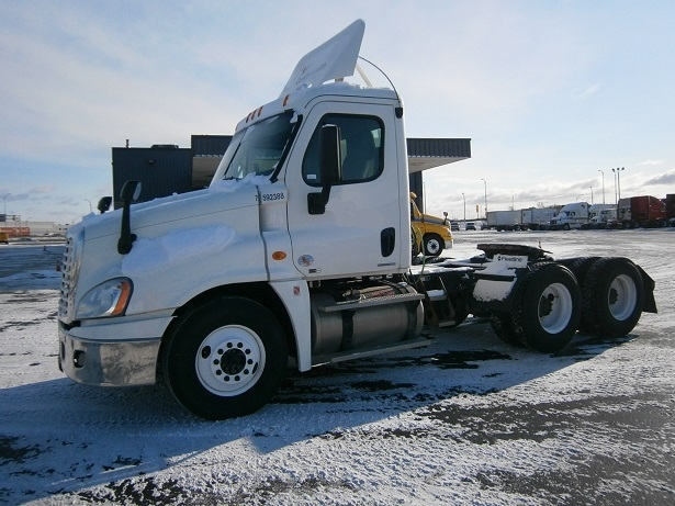 Day Cab Tractor-Heavy Duty Tractors-Freightliner-2011-Cascadia 12564ST-SAINT LAURENT-PQ-650,829 km-$42,750