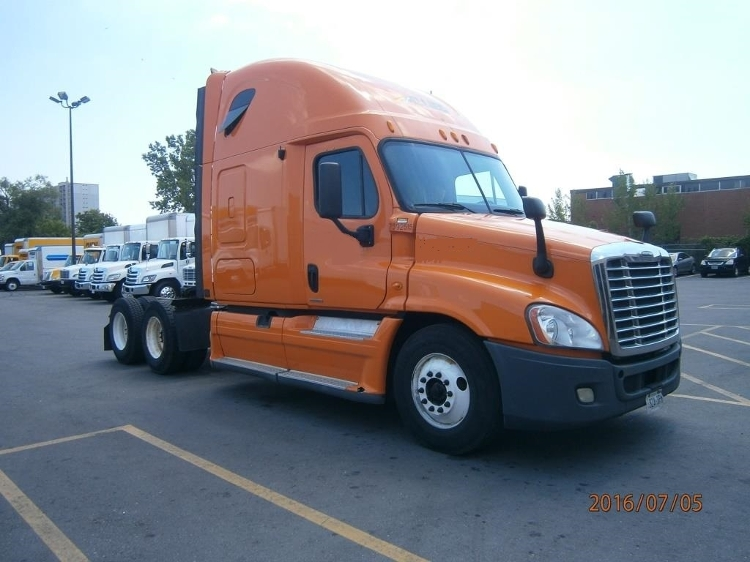 Sleeper Tractor-Heavy Duty Tractors-Freightliner-2011-Cascadia 12564ST-SCARBOROUGH-ON-806,544 km-$34,750