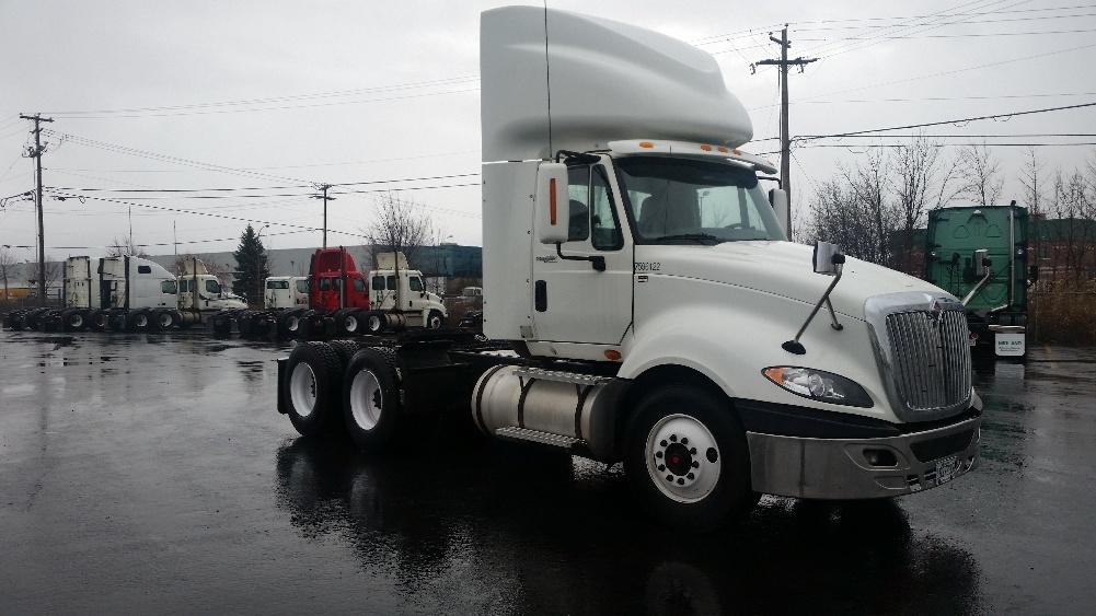 Day Cab Tractor-Heavy Duty Tractors-International-2011-ProStar-BOUCHERVILLE-PQ-601,300 km-$40,000