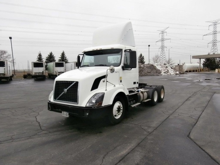 Day Cab Tractor-Heavy Duty Tractors-Volvo-2011-VNL64T300-MISSISSAUGA-ON-419,369 km-$39,750