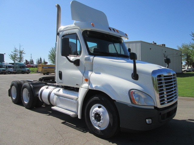 Day Cab Tractor-Heavy Duty Tractors-Freightliner-2011-Cascadia 12564ST-MONCTON-NB-671,501 km-$49,000