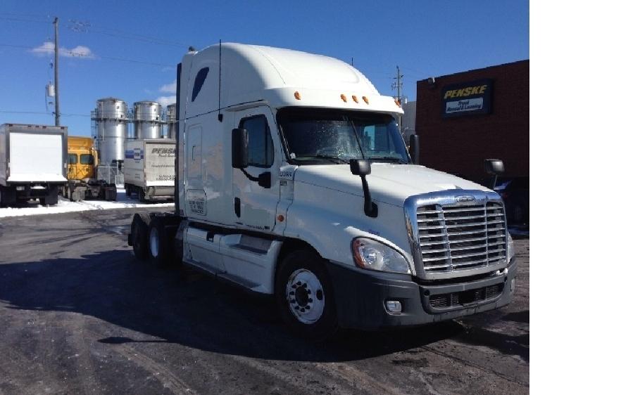 Sleeper Tractor-Heavy Duty Tractors-Freightliner-2011-Cascadia 12564ST-ETOBICOKE-ON-845,749 km-$39,000