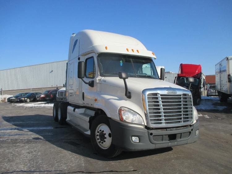 Sleeper Tractor-Heavy Duty Tractors-Freightliner-2011-Cascadia 12564ST-BURLINGTON-ON-839,454 km-$38,500