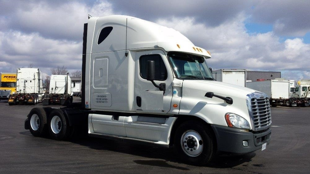 Sleeper Tractor-Heavy Duty Tractors-Freightliner-2011-Cascadia 12564ST-MISSISSAUGA-ON-841,533 km-$38,500
