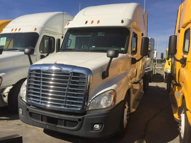 Sleeper Tractor-Heavy Duty Tractors-Freightliner-2011-Cascadia 12564ST-MISSISSAUGA-ON-922,090 km-$35,250