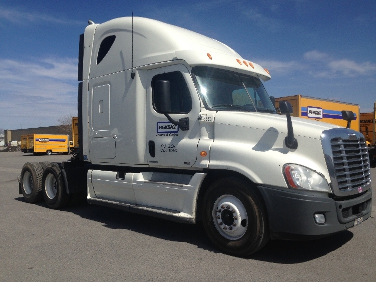 Sleeper Tractor-Heavy Duty Tractors-Freightliner-2011-Cascadia 12564ST-MISSISSAUGA-ON-923,198 km-$35,250
