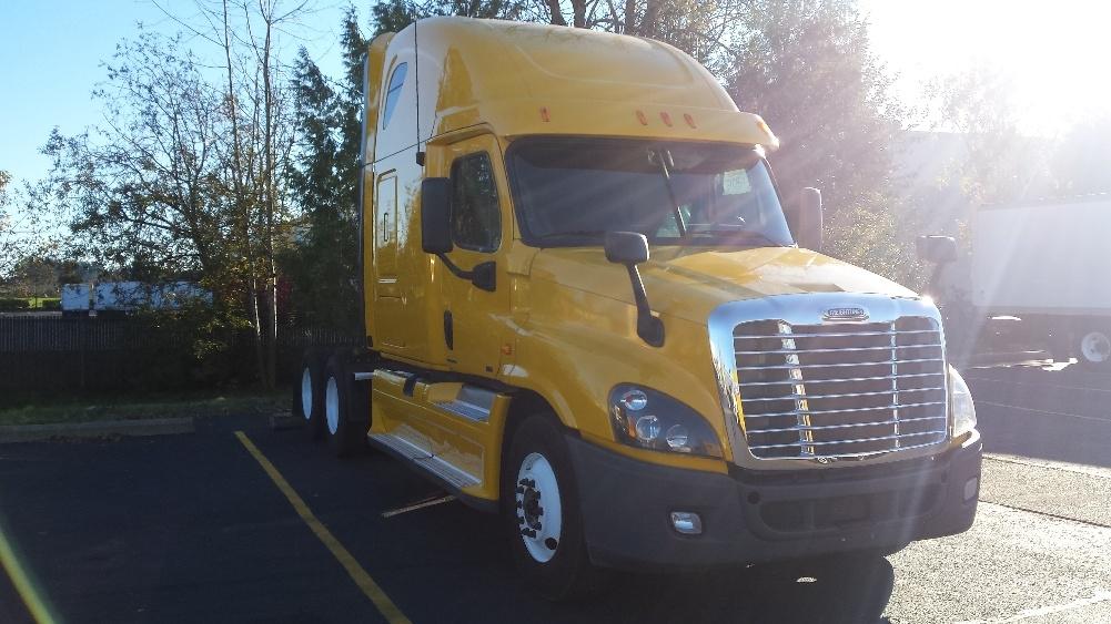 Sleeper Tractor-Heavy Duty Tractors-Freightliner-2012-Cascadia 12564ST-WILSONVILLE-OR-433,317 miles-$41,500