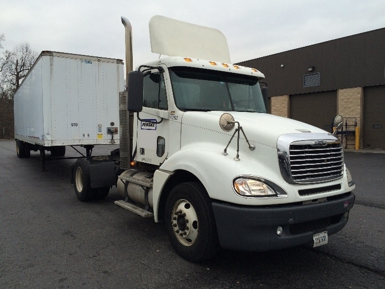 Day Cab Tractor-Heavy Duty Tractors-Freightliner-2010-Columbia CL12042ST-BALTIMORE-MD-336,610 miles-$35,500