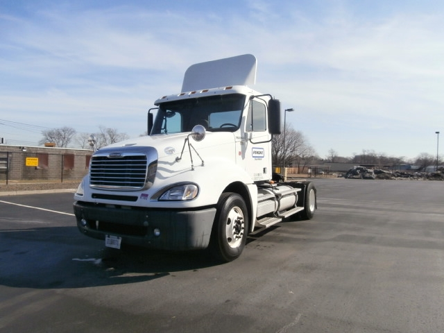 Day Cab Tractor-Heavy Duty Tractors-Freightliner-2010-Columbia CL12042ST-MONTGOMERY-NY-403,100 miles-$32,000