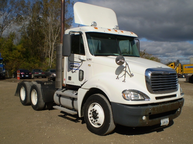 Day Cab Tractor-Heavy Duty Tractors-Freightliner-2010-Columbia CL12064ST-LANSING-MI-502,040 miles-$12,000
