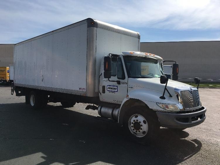 Medium Duty Box Truck-Light and Medium Duty Trucks-International-2011-4400-BROOKLYN PARK-MN-201,599 miles-$23,250