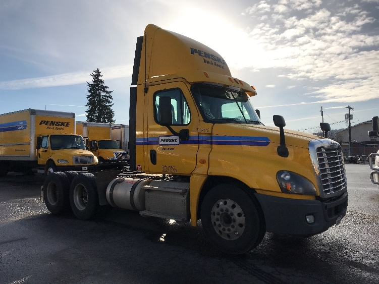 Day Cab Tractor-Heavy Duty Tractors-Freightliner-2013-Cascadia 12564ST-TACOMA-WA-227,193 miles-$50,250