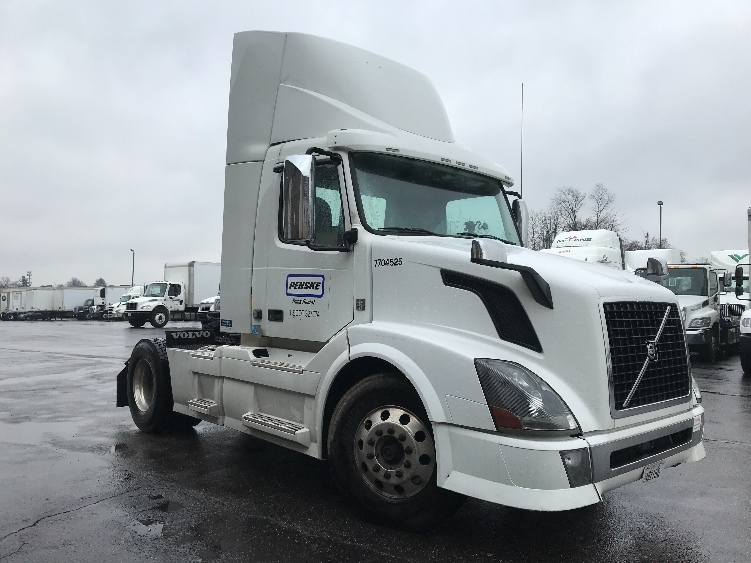 Day Cab Tractor-Heavy Duty Tractors-Volvo-2014-VNL42300-ERLANGER-KY-192,361 miles-$48,000