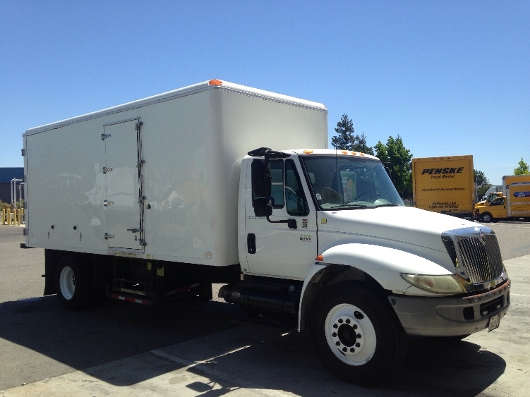 Reefer Truck-Light and Medium Duty Trucks-International-2006-4300-WEST SACRAMENTO-CA-178,674 miles-$18,000