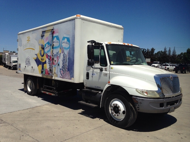 Cold Plate-Light and Medium Duty Trucks-International-2006-4300-HAYWARD-CA-210,804 miles-$10,250