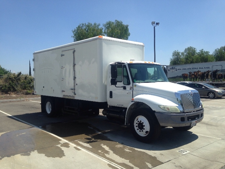 Cold Plate-Light and Medium Duty Trucks-International-2005-4300-CERES-CA-165,962 miles-$16,000